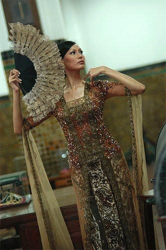 Desain Batik Tidak Harus Dipadukan Dengan Kebaya